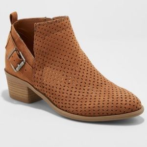Universal Threads Buckle Booties